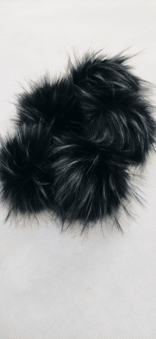 čierno-strieborný brmbolec